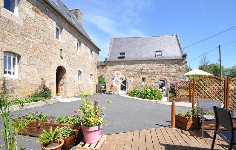 maison cour & terrasse